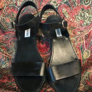 Steve Madden Shoes - Steve Madden Donddi flat strappy sandals